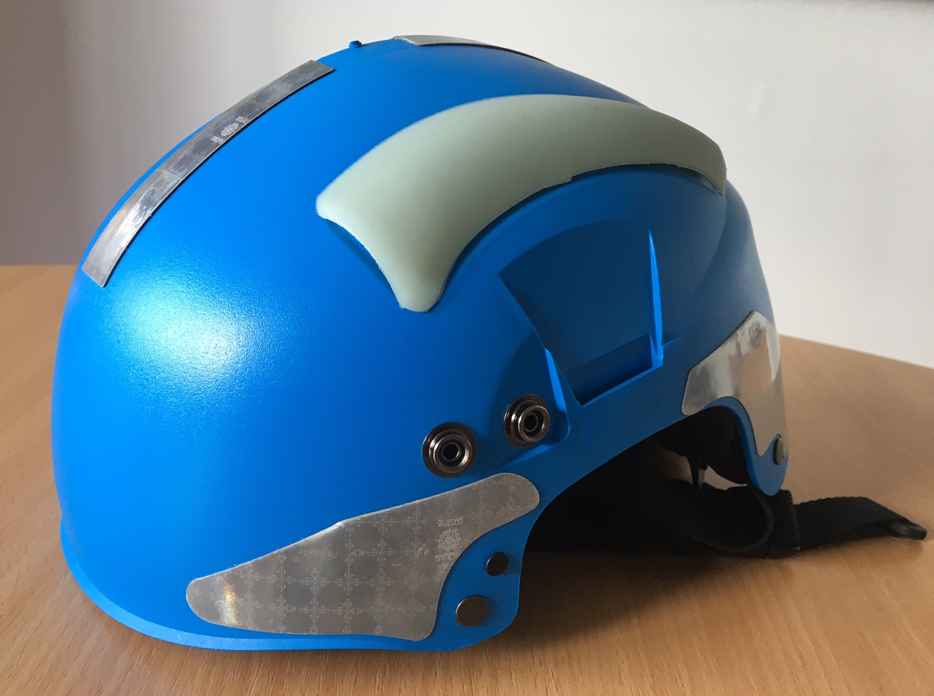 Blue helmet not worn