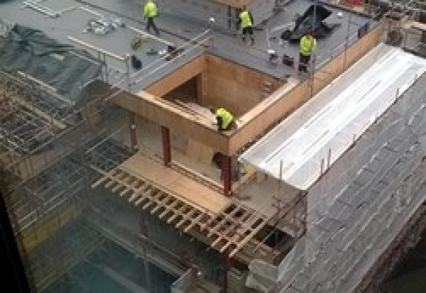 Roofing Bosses Skip Scaffold To Speed Up Invoices