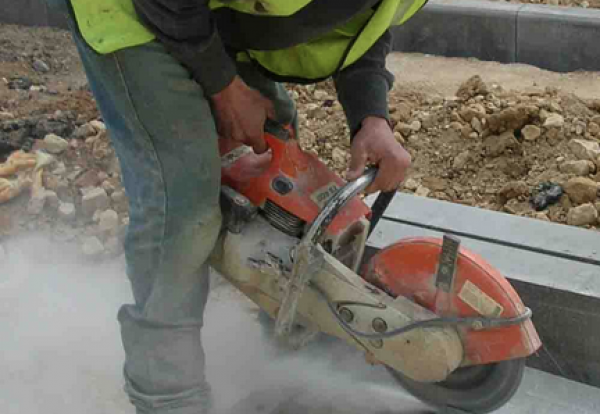 manual handling hazards in construction
