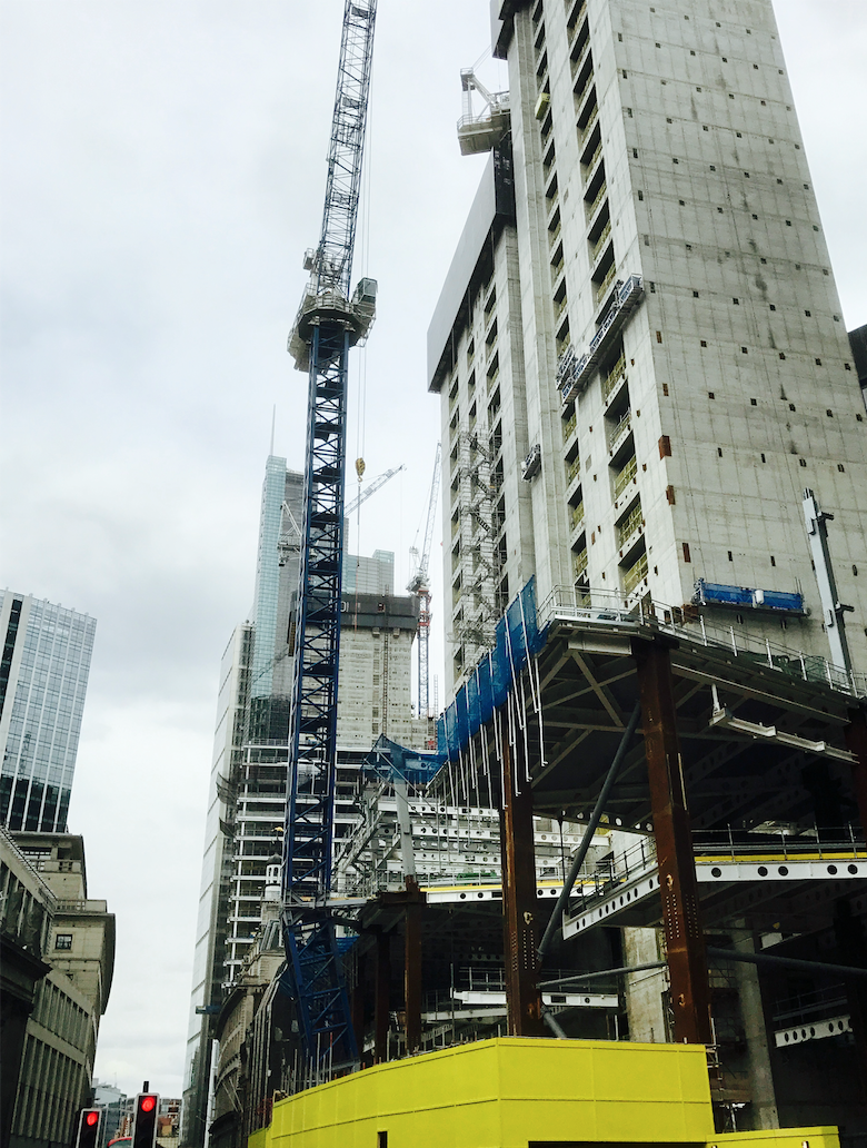 Wonky crane gets Multiplex out of a tight fix | Construction