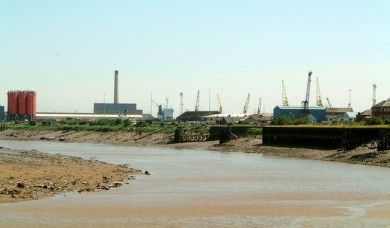 The_River_Usk_side_of_Newport_Docks_-_geograph.org_.uk_-_356135-390x228
