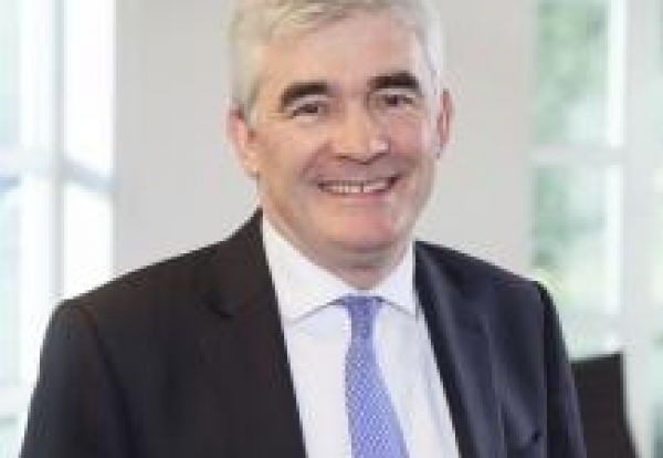 Andrew Davies to join Carillion next month