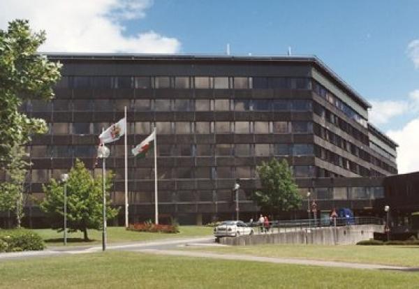 Demolition costs soar on concrete cancer council HQ