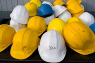 Safety fear over scrapping of hard hat laws
