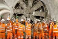tbm victoria breaks through into stepney green cavern 30 january 2014_121677-1