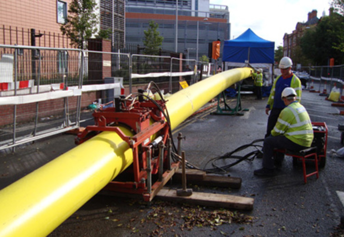 Suppliers need to be experienced and competent in mains and service replacement works in a street work environment