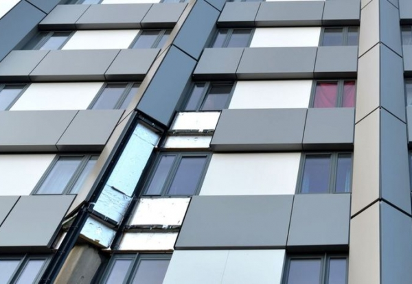 Grenfell Tower being fitted with ACM rainscreen cladding