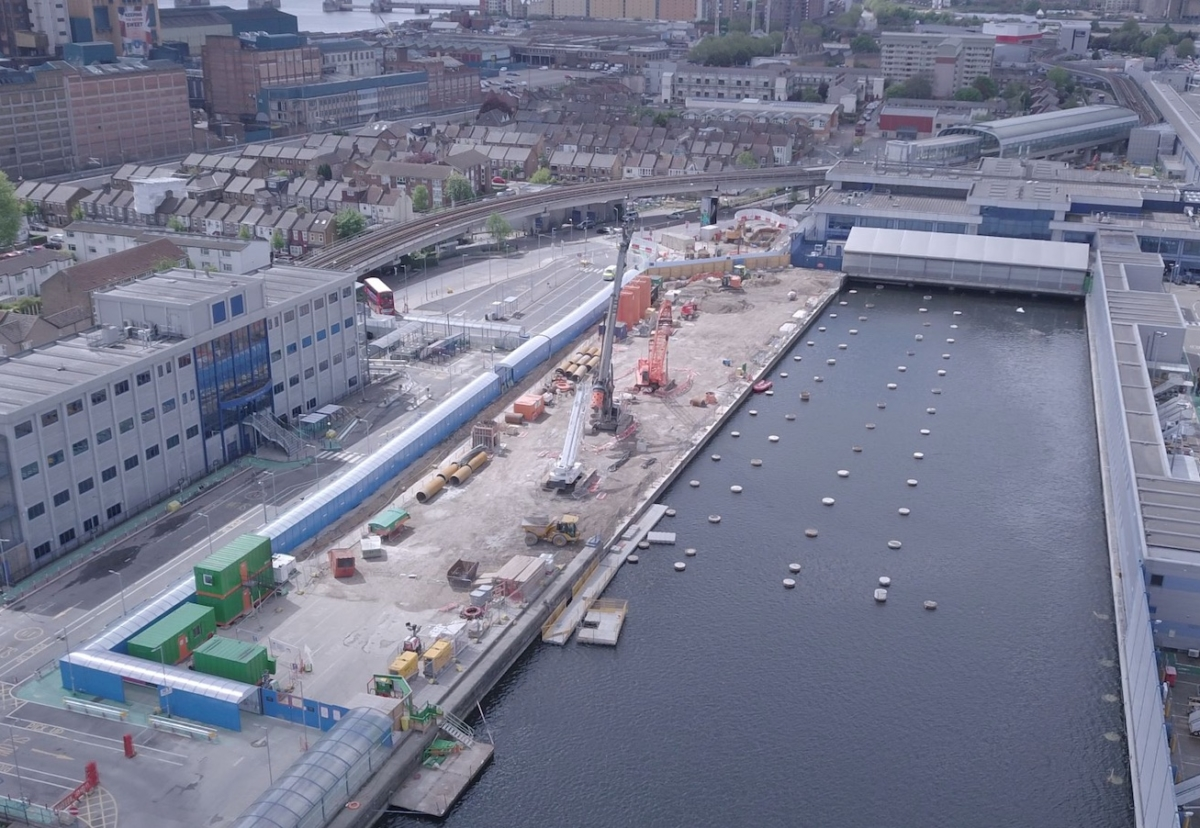 Terminal construction in King George V Dock