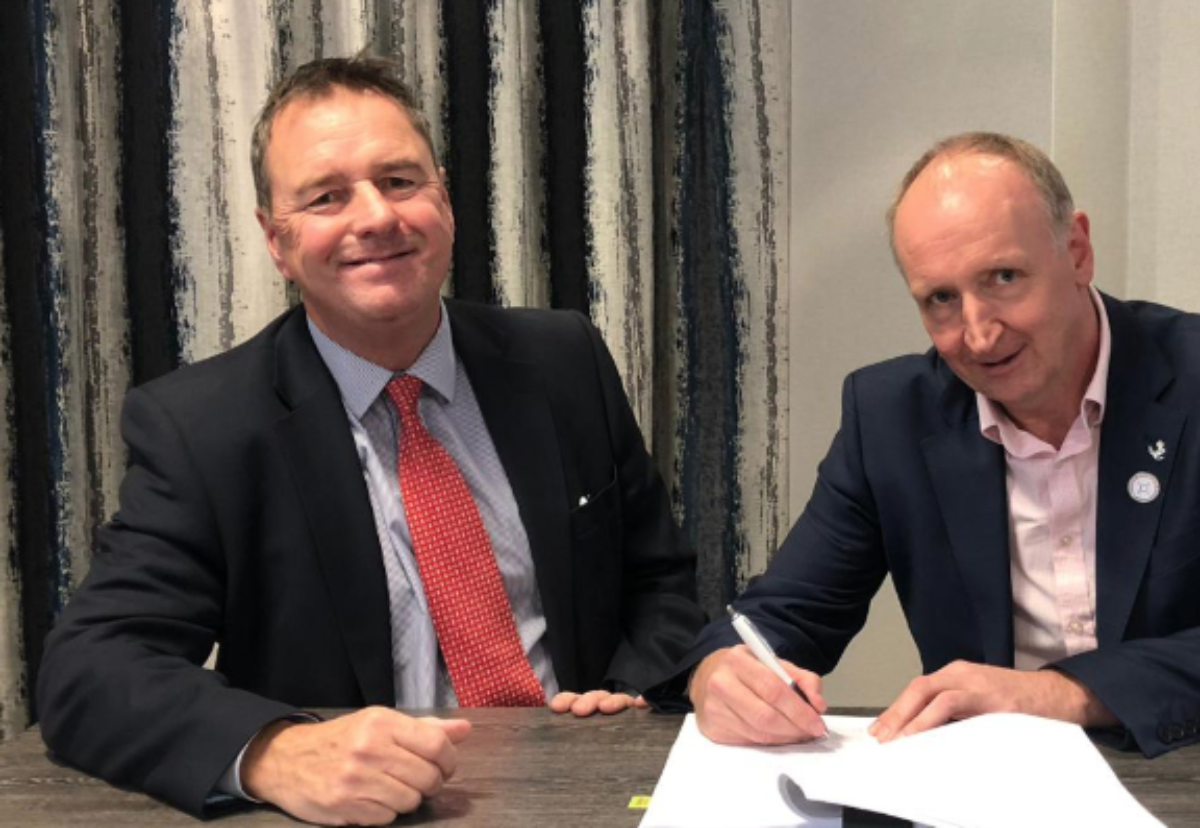 John Homer (left) and David Owen sign off deal