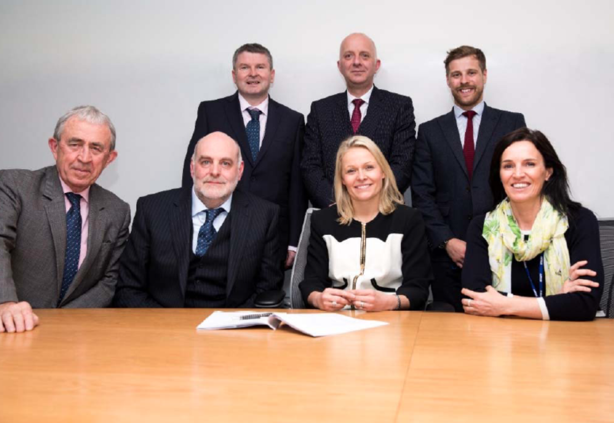 At the contract signing were: 1(Left to Right ‐ Top) Brendan McNamara (Barhale Regional Commercial Manager), Simon Hinsley, (STW Principal Sponsor) Daniel Foster (STW Commercial Manager Major Projects) (Left to Right – Bottom) Dennis Curran (Barhale Chairman), Dave Shaw (Barhale Regional Director), Liv Garfield (STW CEO), Helen Miles (STW Group Commercial Director)
