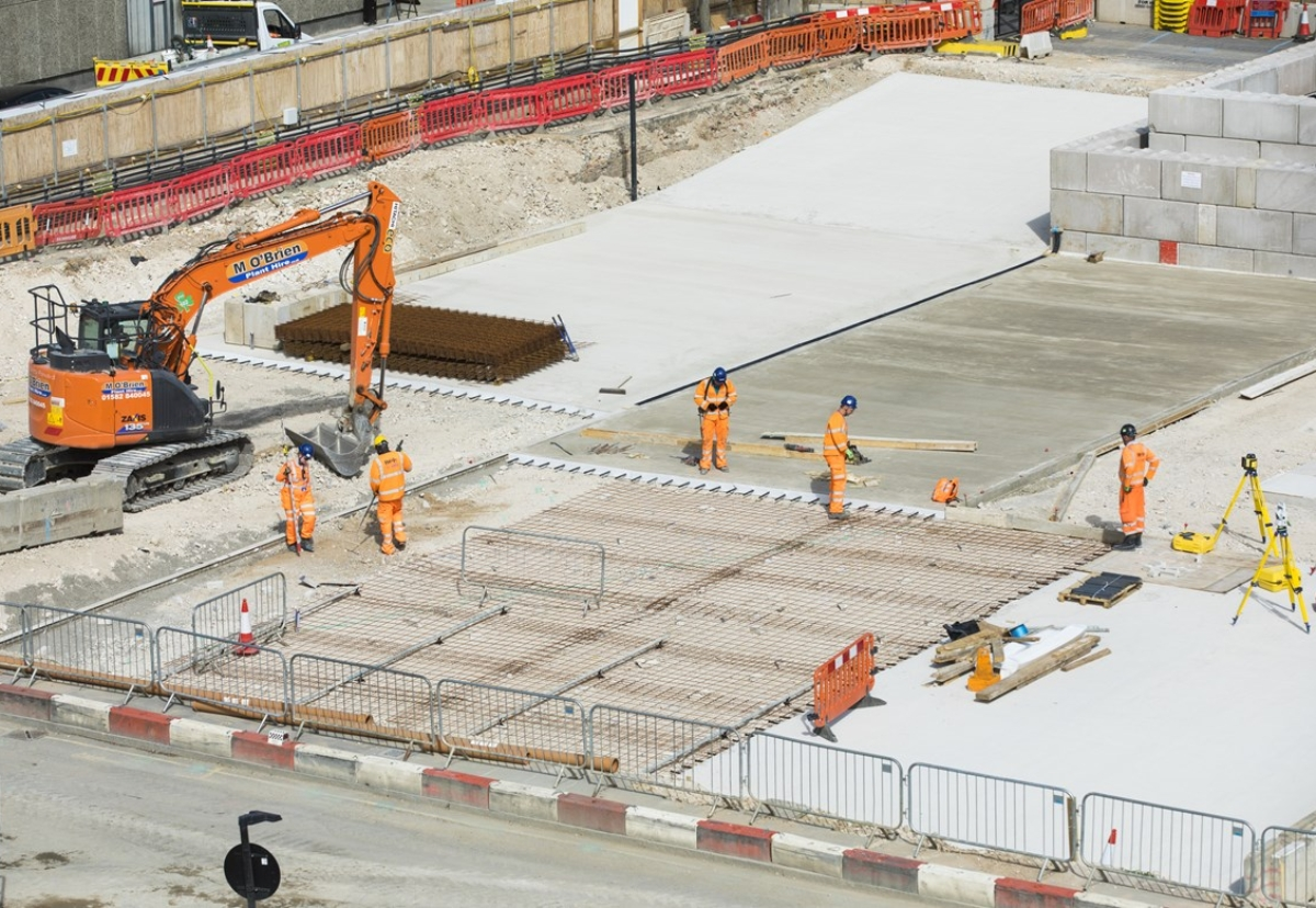 HS2 contractors in London have begun using a new low carbon concrete product which provides a reduction of 42% in CO2